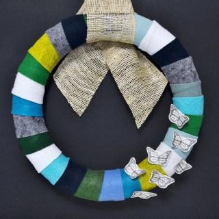 modern felt wreath {a tutorial}