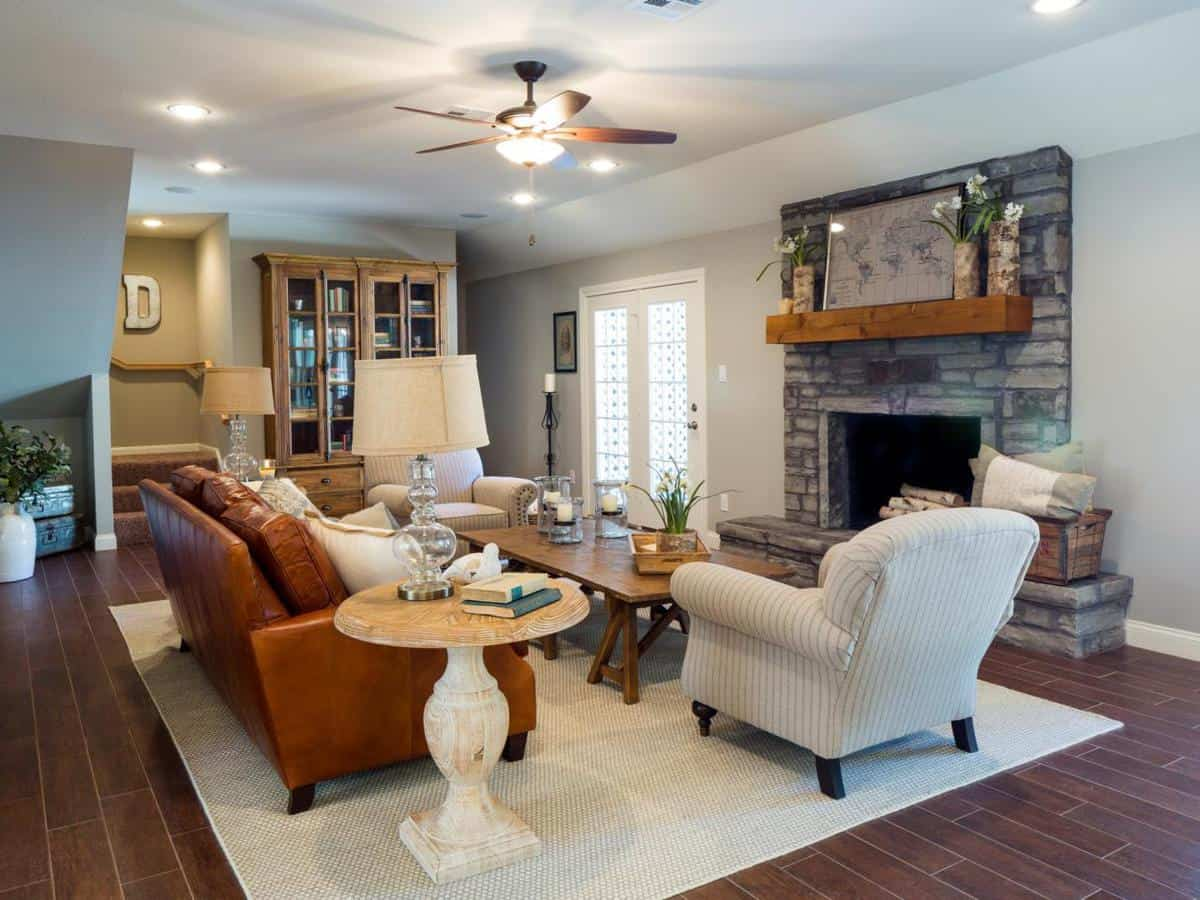 Fixer upper kitchens living and dining rooms 21 favorites for Living room pics