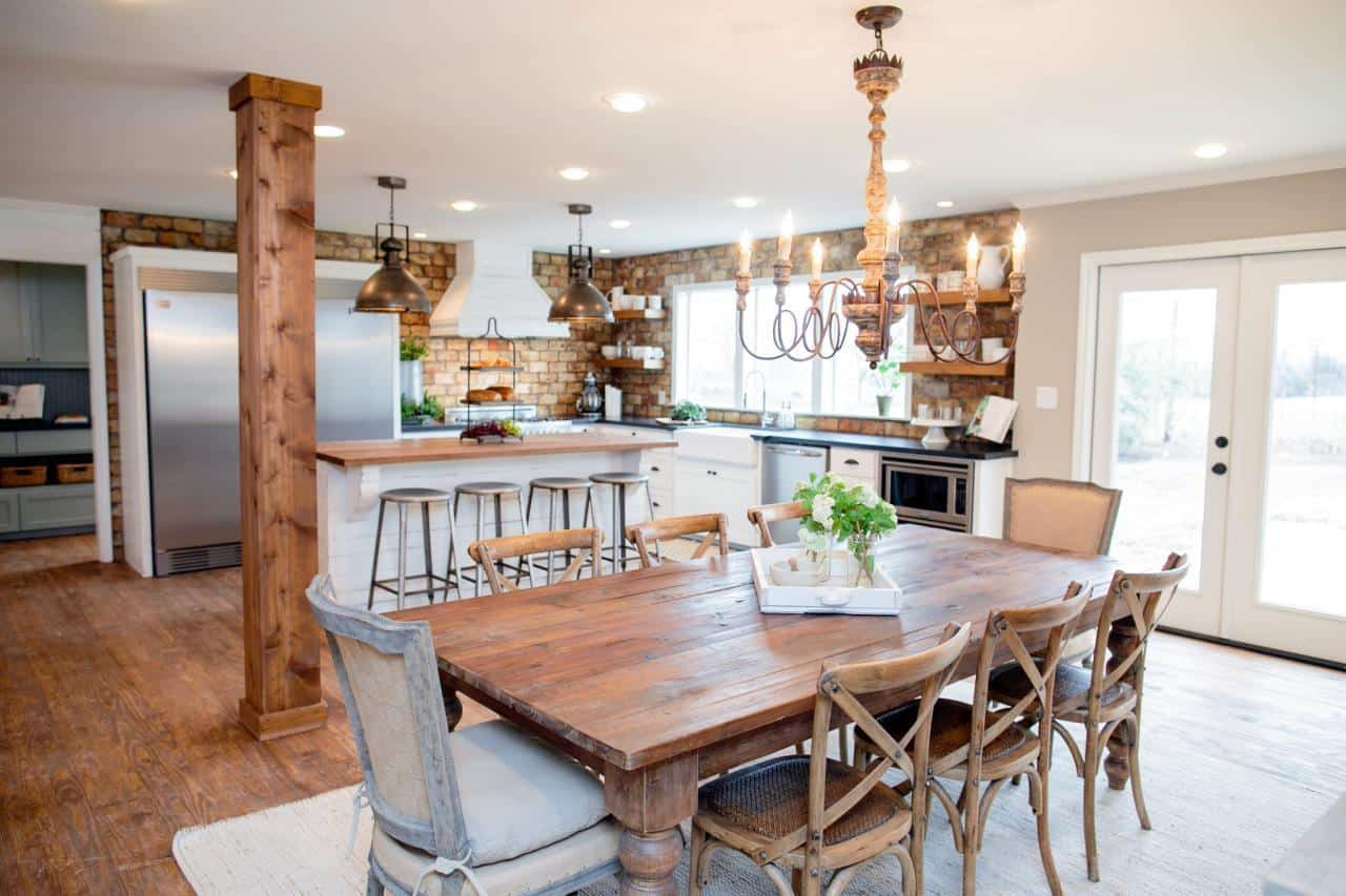 Fixer upper kitchens living and dining rooms 21 favorites for Joanna gaines dining room designs
