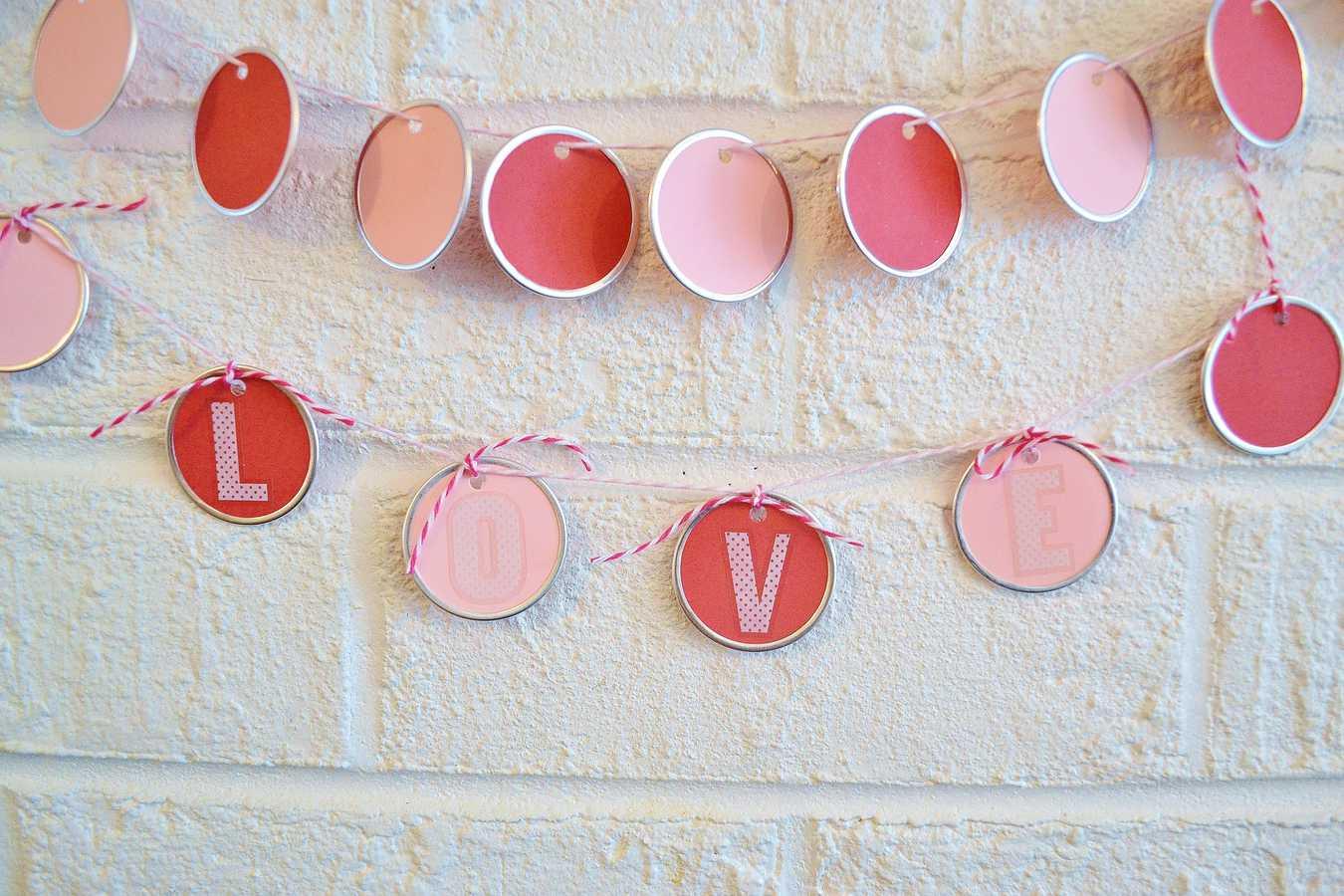valentines day garland 7