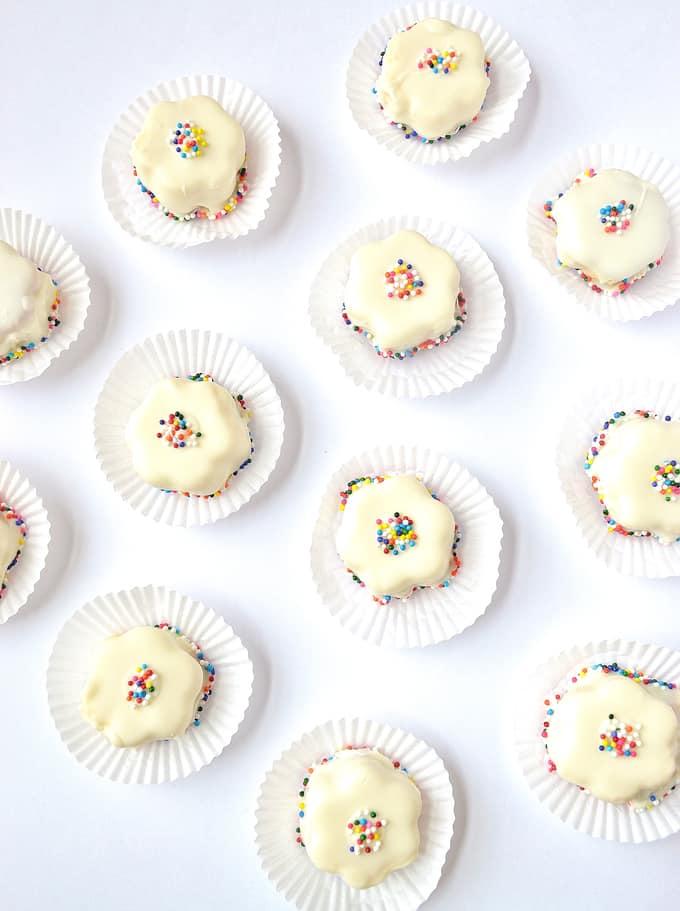 mini sprinkle cakes