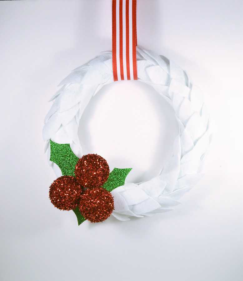 How to Make a Christmas Wreath 8