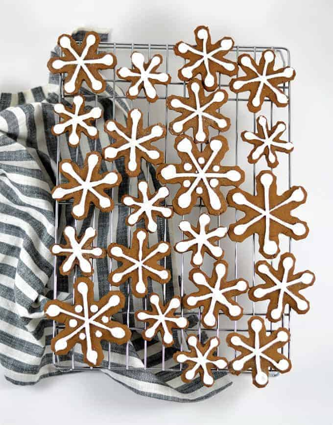 The Best Gingerbread Cookie Recipe {Gingerbread Snowflakes}