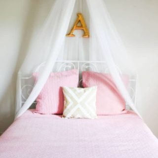 DIY Bed Canopy {An Easy Way to Make Your Own Bed Canopy}