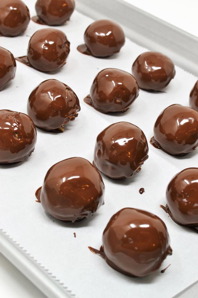 christmas peanut butter balls 2