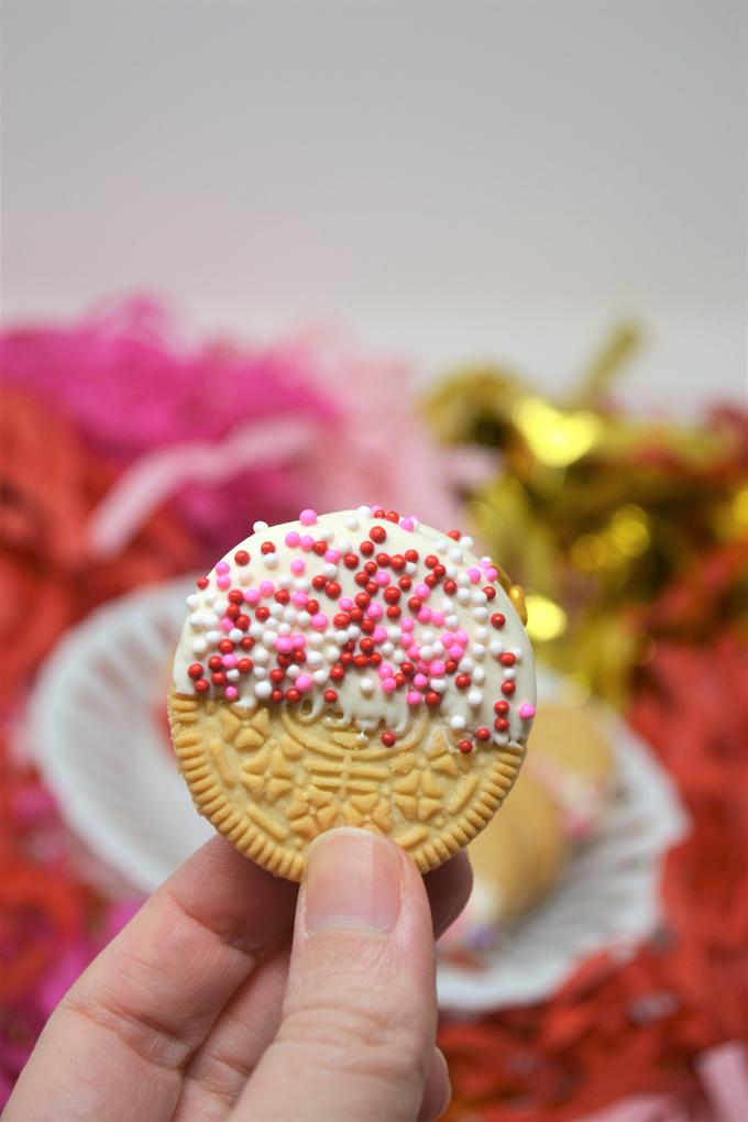 dipped oreo cookies