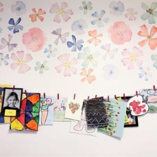 photo display kids room