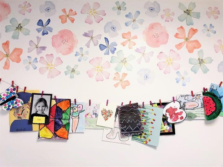 photo display kids room