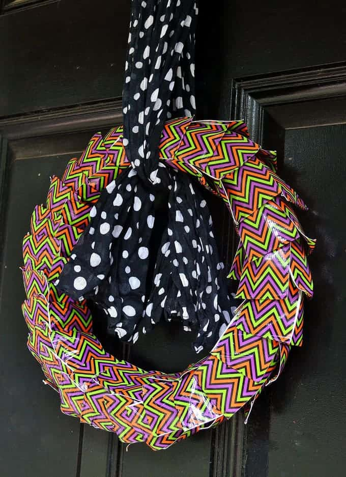 Duct Tape Crafts {Make a Halloween Wreath}