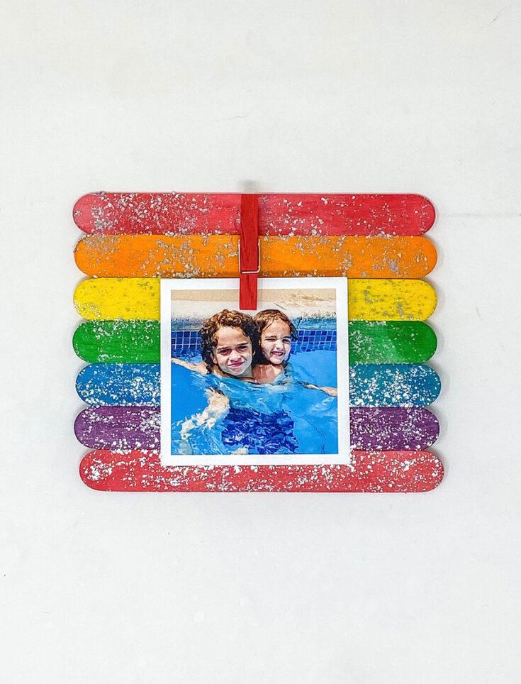 make a popsicle stick photo frame